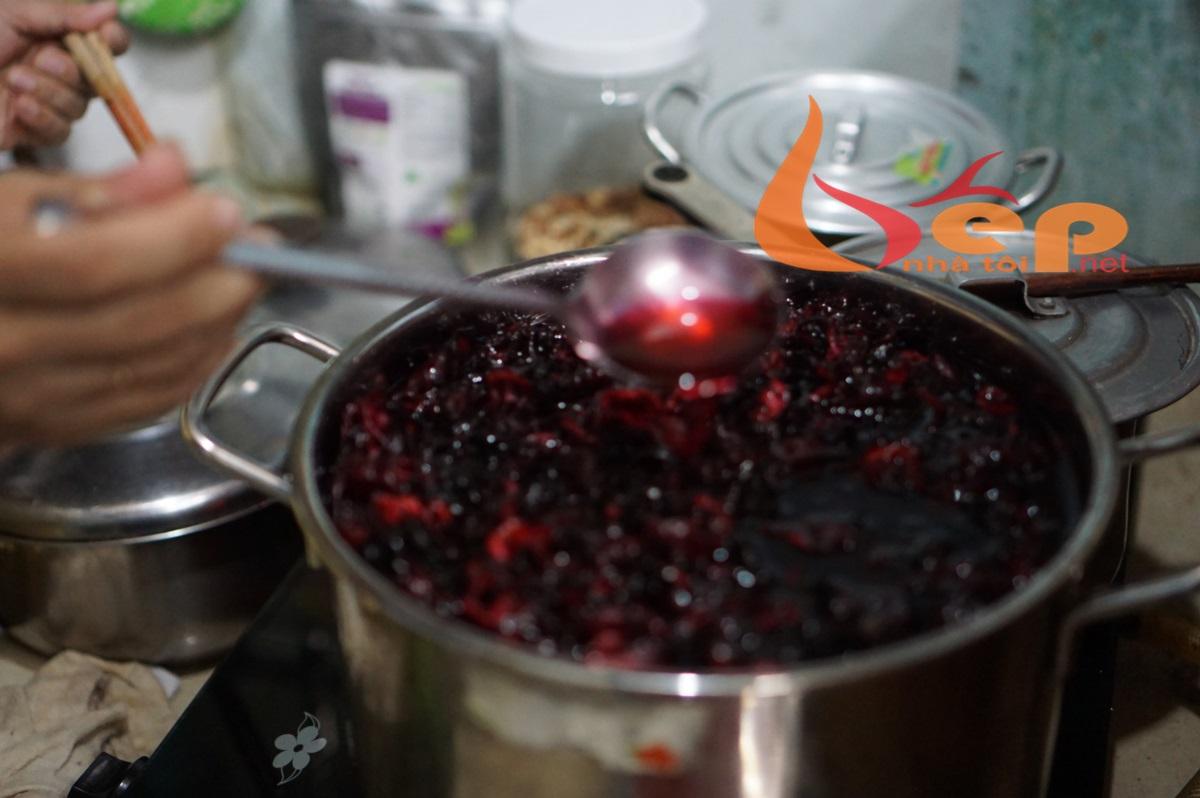 Cách nấu nước atiso đỏ tươi